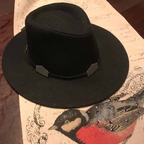 d91de4b889131 Forever 21 Wide Brim Hat NWT 🎩